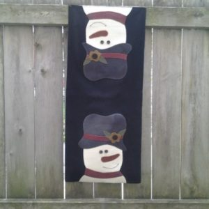 """BLD-013 – """"CHILLED TO THE NINES"""" Wool Applique Table Runner"""