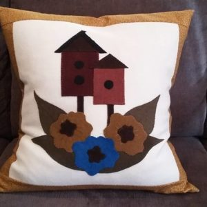 "BLD-032 – ""HOME SWEET HOME"" Wool Applique Pillow"